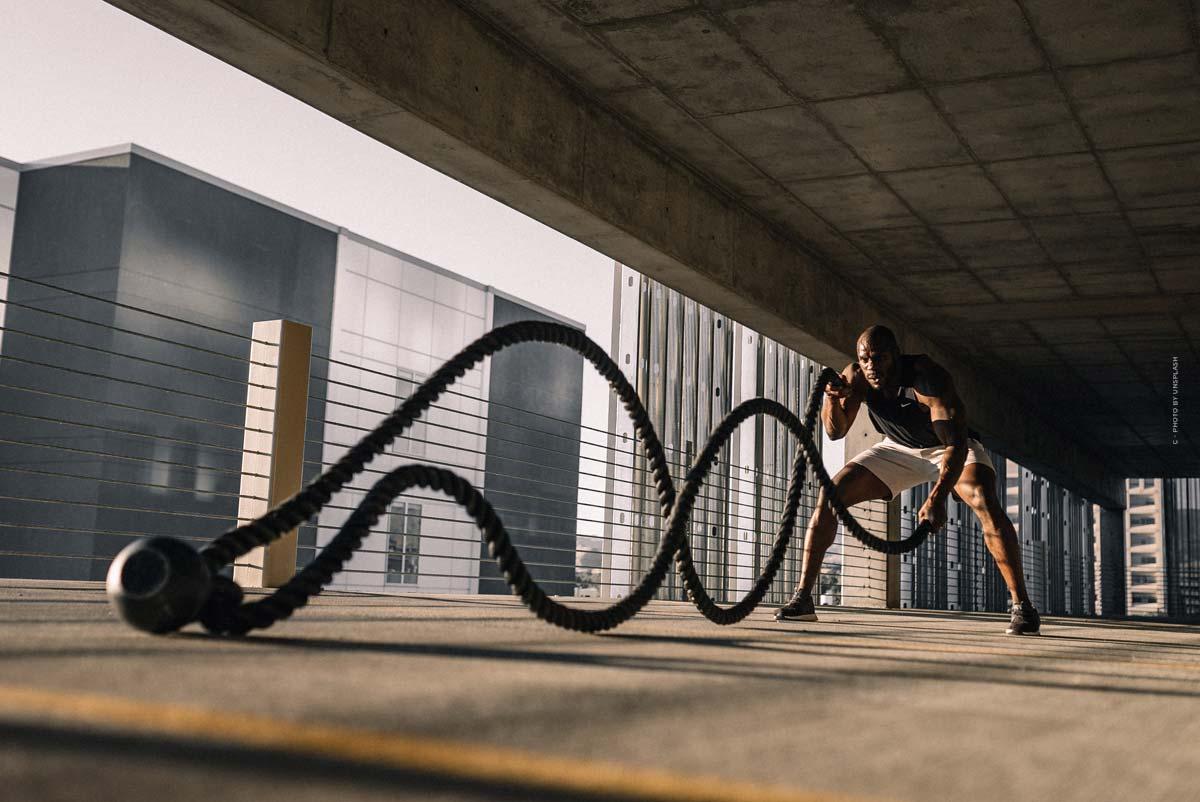 Blawko22: Το Virtual Male Model κάνει fitness, μόδα και εικονικά μοντέλα