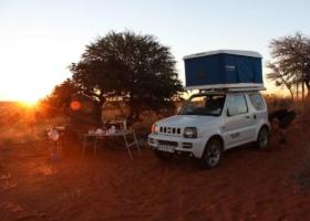 Σκηνή οροφής & vanlife! Διακοπές στο κάμπινγκ με το αυτοκίνητο: περιπέτεια, οικογένειες, ταξιδιωτική τάση